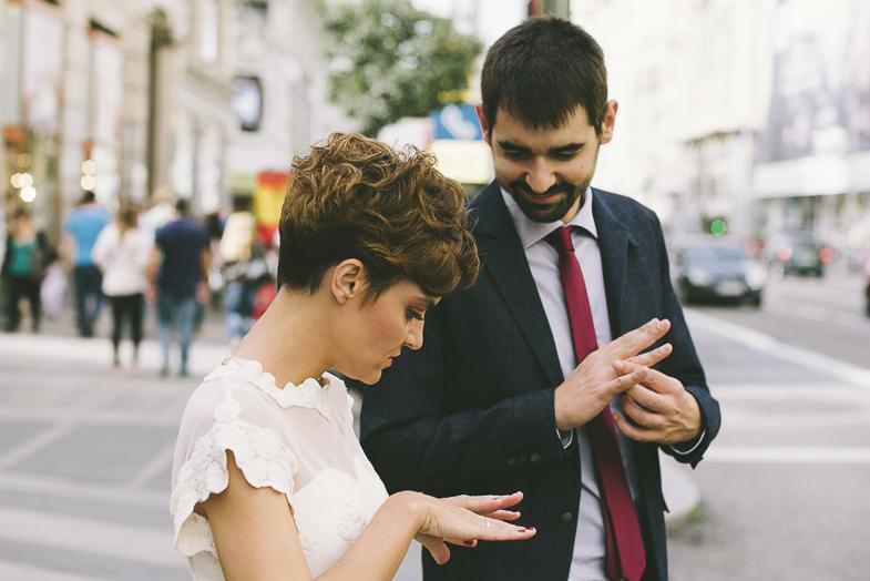 fotografía-de-boda-malasaña-madrid-moderno-estilo-fotoperiodismo-de-boda